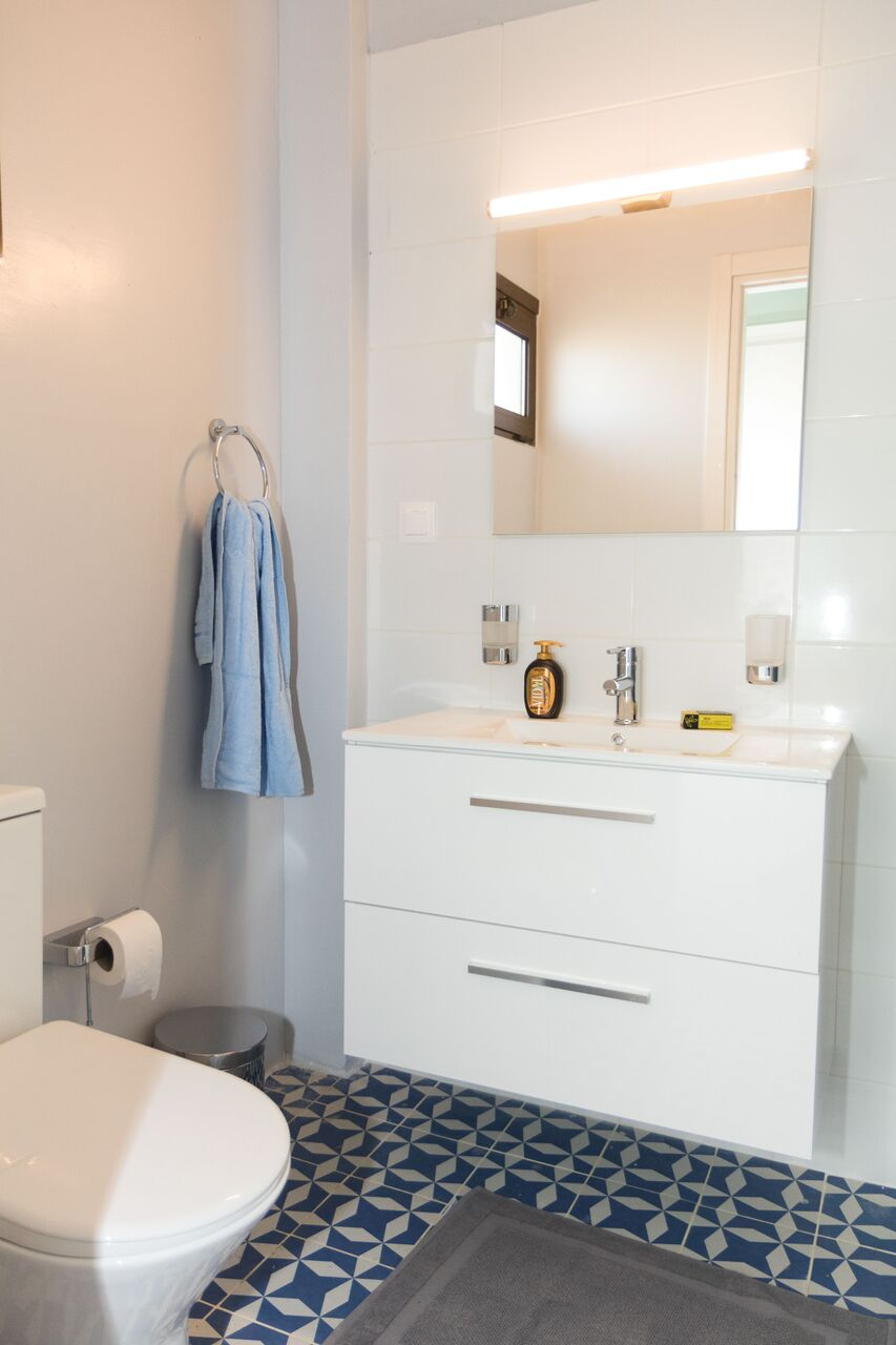 airbnb ανακαίνιση μπάνιου